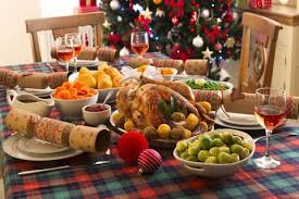 Christmas Top Tips - dinner table with christmas dinner