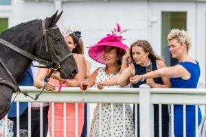 ladies day 2019 - Ladies meeting the horses